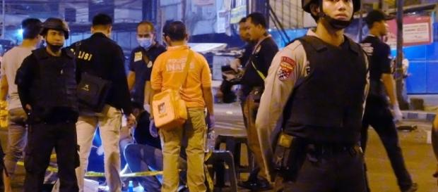 Jakarta bombing: Death toll rises to three; two bombers involved ... - com.my