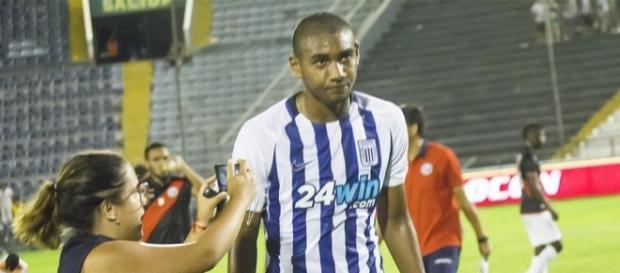 Jovem volante peruano estaria sendo pretendido pelo Grêmio