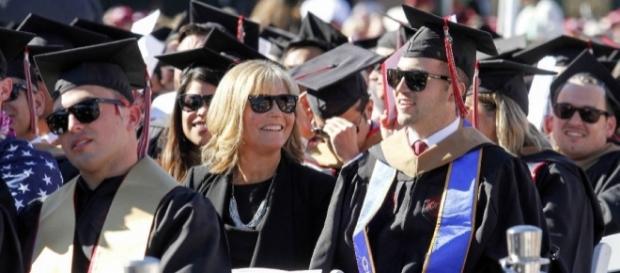 MBA for mom who went to all classes with quadriplegic son - Photo: Blasting News Library - timesfreepress.com