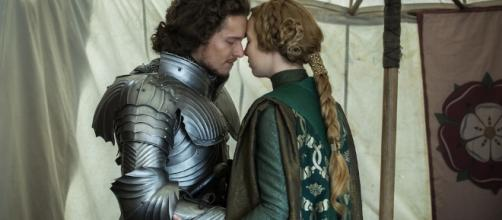 Lizzie and Henry struggle in 'The White Princess' [Image via Blasting News Library]