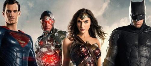 Zack Snyder Talks Justice League & Wonder Woman - Cosmic Book News - cosmicbooknews.com