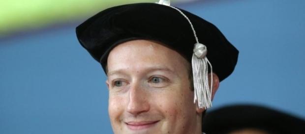 Mark Zuckerberg's Harvard commencement speech - Photo: Blasting News Library - bostonglobe.com