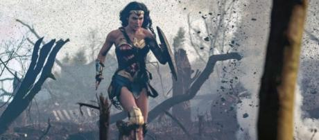 Theater responds to backlash of women-only screenings of 'Wonder ... - go.com