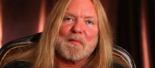 Gregg Allman Begs 'Midnight Rider' Director Not to Resume Filming ... - hollywoodreporter.com