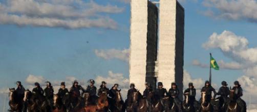 Temer convoca Exército para reprimir manifestações em Brasília