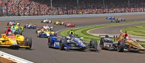 The 2017 Indianapolis 500 race will be on Sunday, May 28th. [Image via Blasting News image library/indycar.com]