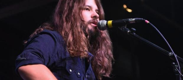 Brent Cobb offers perfect words and music for resolve and healing with show on the day after Manchester tragedy.| CMT - cmt.com