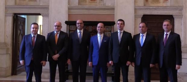 Il ministro degli Esteri, Angelino Alfano, con i colleghi dei Paesi dei Balcani occidentali