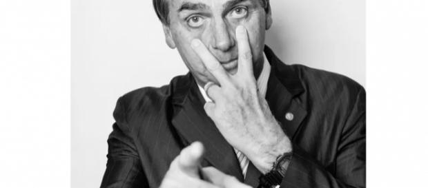 """Jair Bolsonaro admitiu que """"rouba"""" nas flexões"""