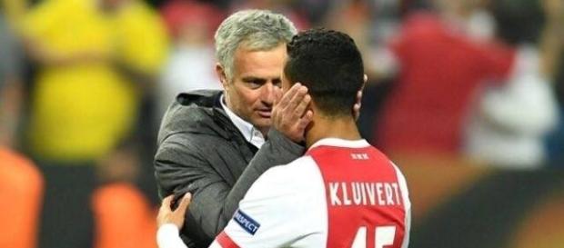 Mourinho fait une promesse au fils de Kluivert