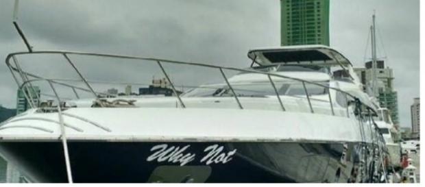 O iate de luxo de Joesley Batista foi colocado no navio durante a noite para esconder a manobra