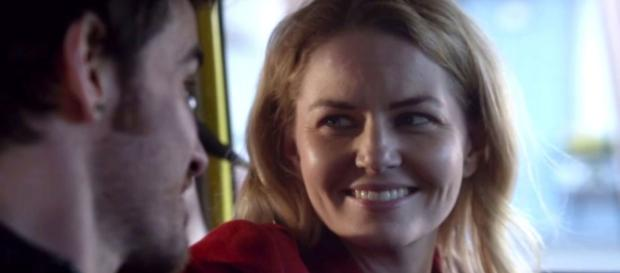 Once Upon a Time showrunners refuse to rule out killing Emma Swan ... - digitalspy.com