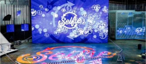 Selfie-Le cose cambiano: si teme chiusura in anticipo - gentevip.it