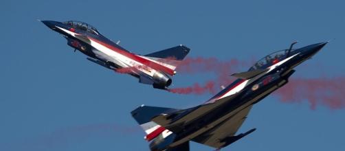 U.S. Navy aircraft intercepted by Chinese jets, Pentagon says ... - cbsnews.com