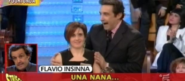 Flavio Insinna, video tapiro tira in ballo Greggio e Striscia contrattacca