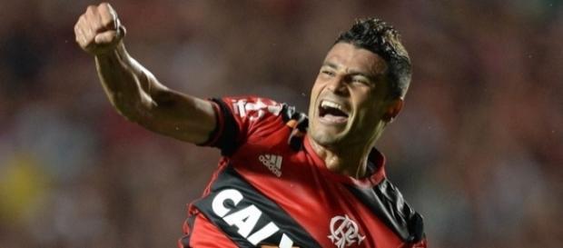 Jogador foi titular nas duas últimas partidas do Flamengo