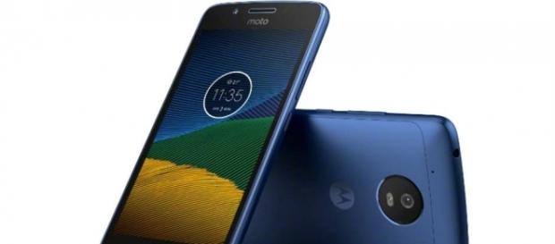 Moto G5 leaks in blue sapphire colour | Digit.in - digit.in