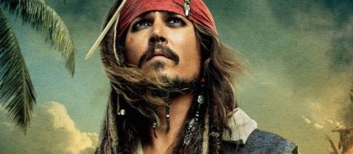David Yates Explains Johnny Depp's FANTASTIC BEASTS Casting   Nerdist - nerdist.com