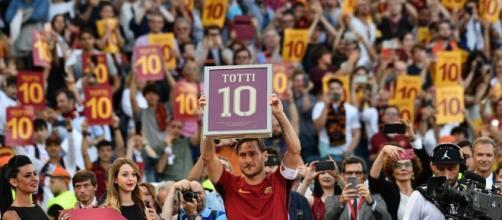 L'addio in lacrime di Francesco Totti, Roma ai piedi del suo capitano