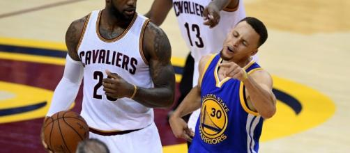 LeBron James, el rey de puntos en playoffs, contra Stephen Curry, el mejor de la historia de los Warriors.