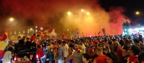 Tifosi riuniti a festeggiare in Piazza Risorgimento