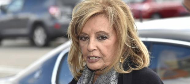 La saluda de María Teresa Campos.