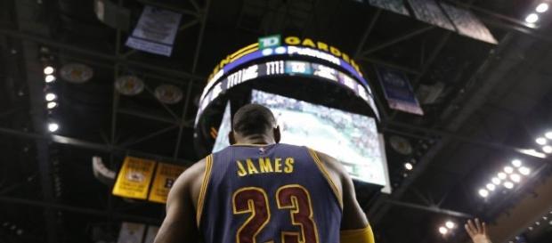 LeBron James, un paso más cerca de su cuarto anillo (vía Twitter - carrusel)