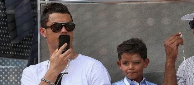 VIDEO : Le coup-franc sublime de Cristiano Junior !