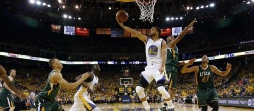 After a week off, Curry, Warriors roll past Jazz in Game 1 ... - stamfordadvocate.com