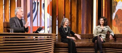 'Conversa com Bial' recebe a ministra Cármen Lúcia e a atriz Fernanda Torres (Foto: Reprodução/TV Globo)
