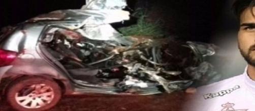 Família não sobreviveu após carro colidir de frente com caminhão