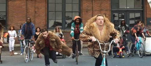 Macklemore & Ryan Lewis from 2014 Grammys: Notable Nominees - eonline.com