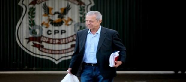 Ex-ministro José Dirceu teve habeas corpus concedido após decisão do STF.
