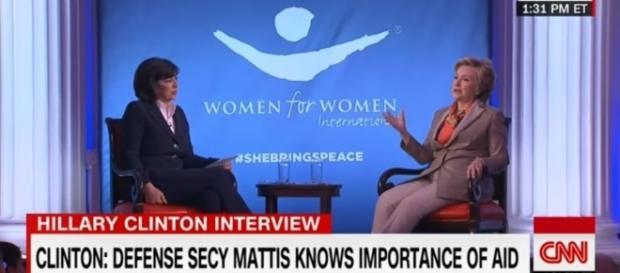 Hillary Clinton s'exprimait pour une association internationale de défense des femmes