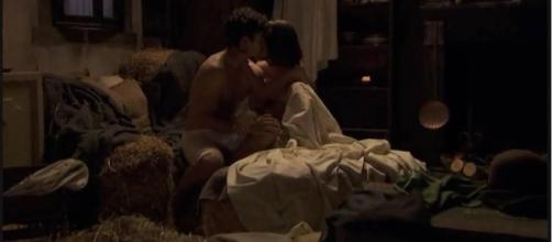 Il Segreto, trame spagnole: Beatriz e Matias fanno l'amore