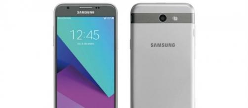 The Galaxy J7 (2017) could be Samsung's first phone to boast