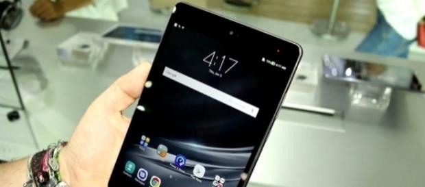 Asus unveils the ZenPad 3S 8.0 tablet -- Image / winfuture.de