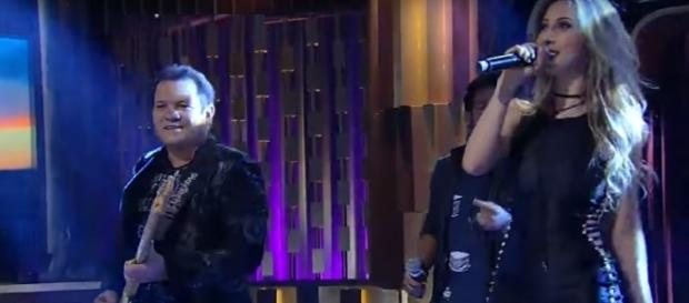 Leya Emmanuelly, ex-vocalista do XCalipso, reclama de Ximbinha e diz que ele a chamou de p***