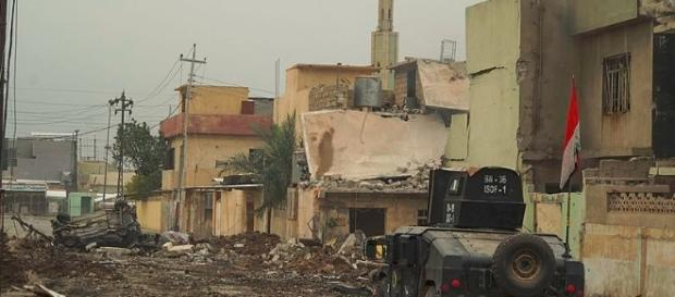 ISOF APC on the street of Mosul, Northern Iraq / Photo by Mstyslav Chernov CC BY-SA 4.0 Wikimedia