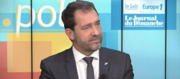 LREM et LR envisagent le désistement face au risque FN