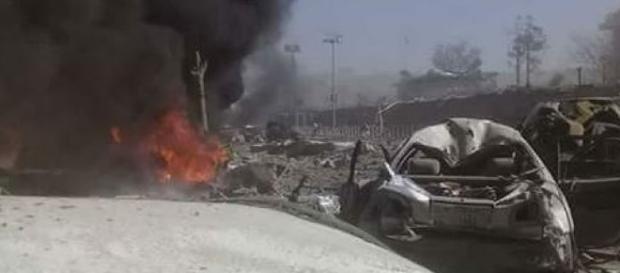 Strage a Kabul 90 morti per lo scoppio di un'autobomba