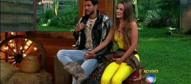 Nicole e Marcelo irão se casar.