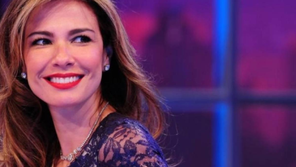 Andressa Ribeiro Pelada linda e nua: luciana gimenez posa para revista