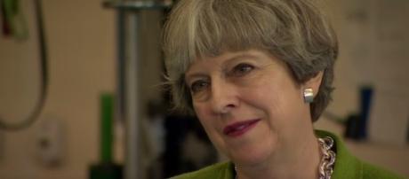 Theresa May, premier britannica in corsa per le elezioni dell'8 giugno 2017, diserta il dibattito TV su BBC News con gli altri candidati