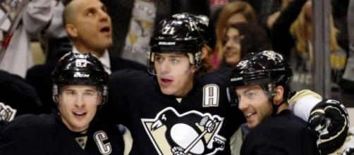 The Pittsburgh Penguins grabbed Game 1 late, will they keep momentum in Game 2? [Image via Blasting News image library/penslabyrinth.com]
