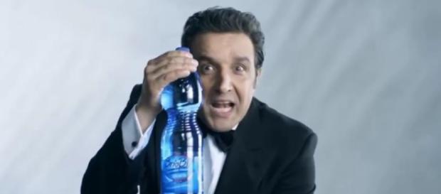Flavio Insinna non è più testimonial di Brio Blu