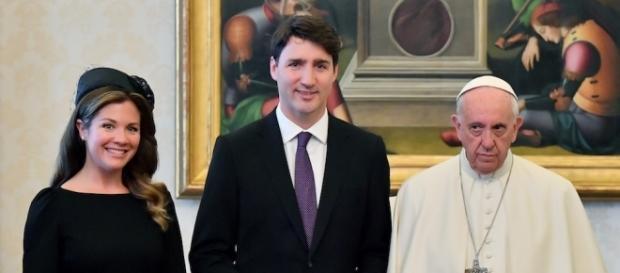 Justin Trudeau in visita a Roma chiede scuse di Papa Francesco per abusi condotti da Vaticano nei confronti di popolazioni natie del Canada