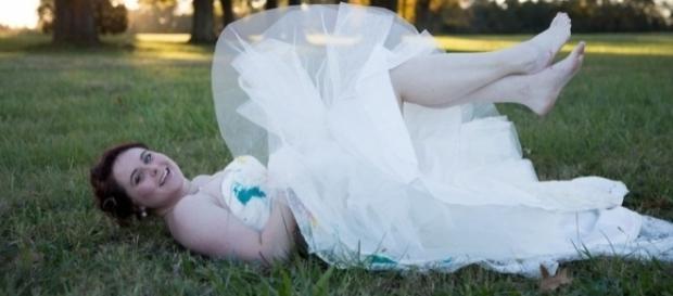 Noiva destruiu vestido de casamento depois de ser abandonada