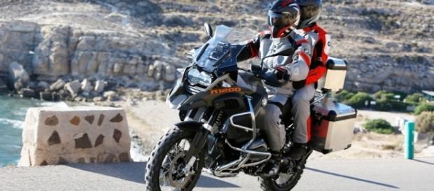 Para uma viagem segura, utilize sempre os equipamentos de segurança recomendados