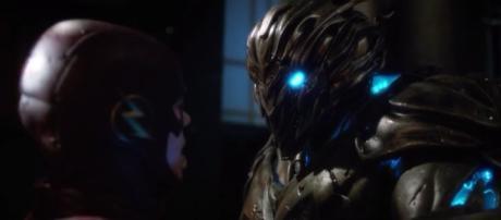 The Flash and Savitar, mask to mask (via YouTube - DragonBallContent)